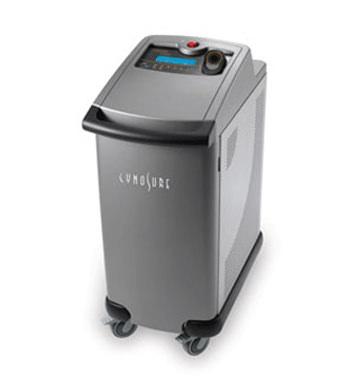 アポジープラス非接触型の医療用脱毛レーザー機器です。色々な部位に使用可能で、細かな部分の脱毛にもおすすめです。