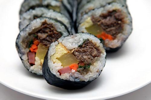 薄切り牛肉使用。お肉に醤油ダレの味がしっかりついていて量も多い。