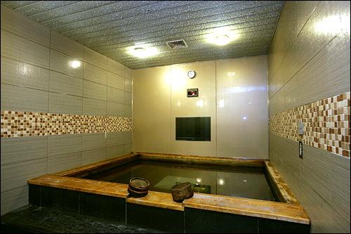 女性用ヒノキ風呂(4,000ウォン)