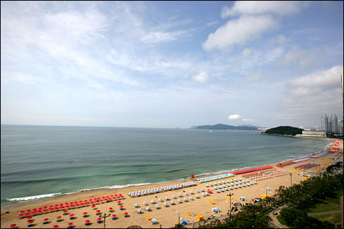 これからの季節ビーチリゾートとして盛り上がる海雲台海水浴場