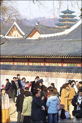逆帰省(地方→ソウル)をする人が多い影響もあり、多くの人が訪れました