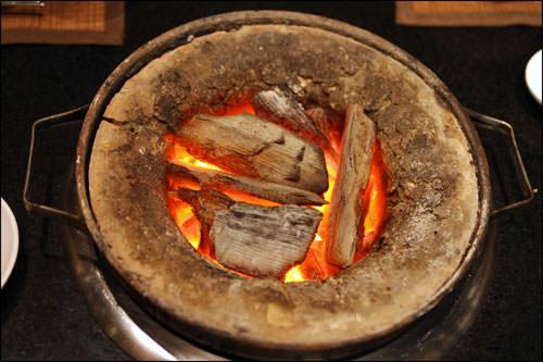 クヌギの直火焼きが自慢