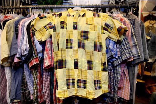 黄色いチェックシャツ(10,000ウォン)