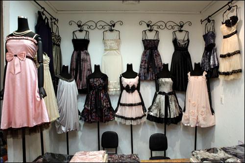 ガーリードレスがたくさん!「ジニ」