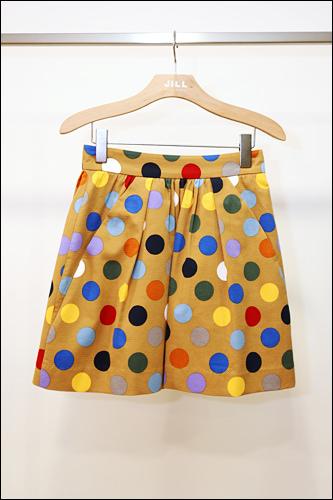 ドット柄のスカート178,000ウォン