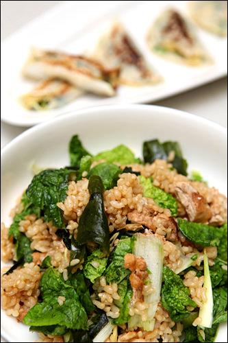 炒り豆腐が食べ応えありで、香ばしい混ぜご飯