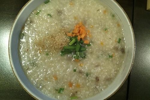 韓牛野菜粥 8,000ウォン