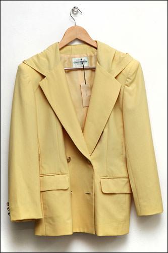 黄色のジャケット 38,000ウォン