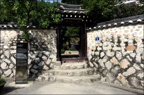近代小説家李泰俊(イ・テジュン)の旧家