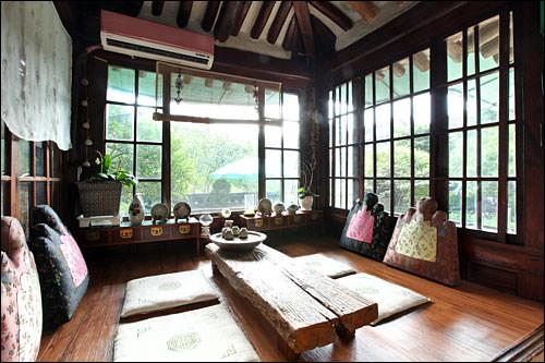 家具なども美しい楼マル
