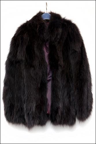 フォックスの毛皮のコート600,000ウォン~