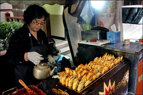 冬場はプンオパン(鯛焼き)も人気