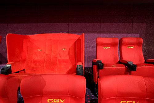 一般の座席に比べると違いが一目瞭然