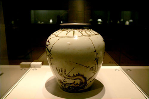 白磁(国立中央博物館)