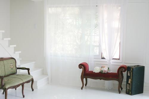 2階 ドレス専門ホワイトスタジオ