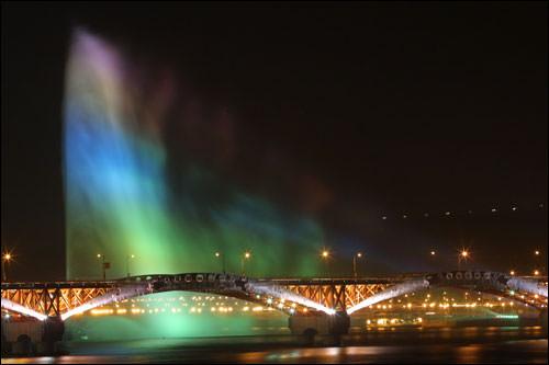ワールドカップ噴水と城山大橋(写真はイメージです)