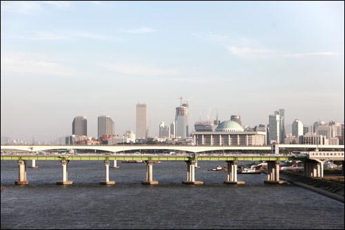 63ビルと堂山鉄橋と国会議事堂