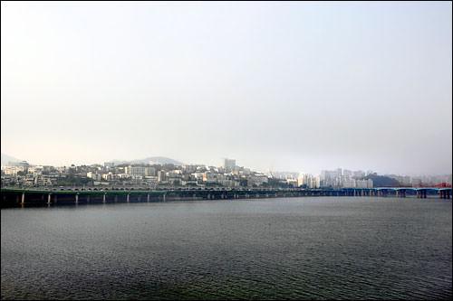 江北方面は、天気が良ければ南山(ナムサン)も望める