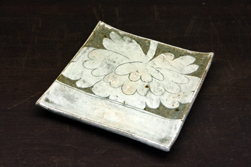 粉青四角皿 (大)70,000ウォン(小)50,000