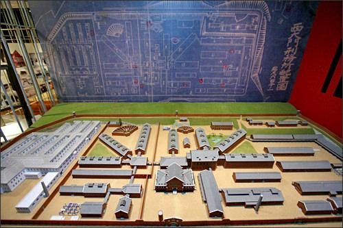 1930年代の建物の配置図と模型