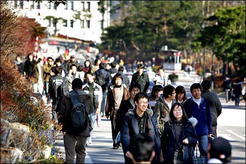 親切な韓国の若者たち
