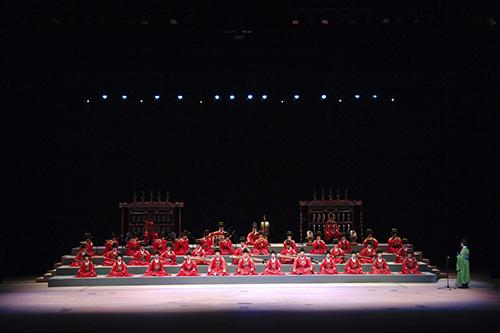1965年結成の「国楽管弦楽団」
