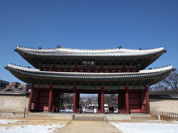 ソウルの宮殿に現存する最古の正門、敦化門
