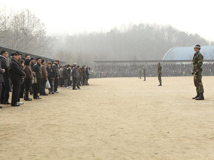 入隊行事の前の整列