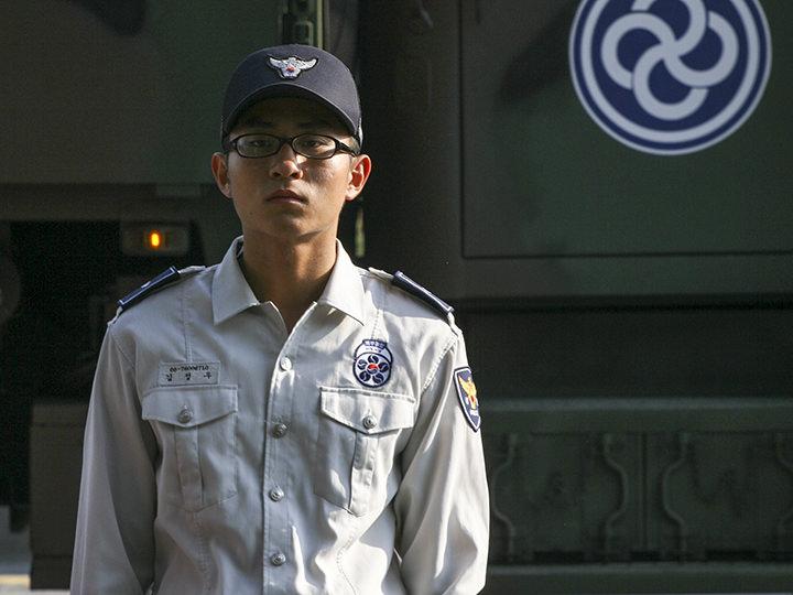 [陸軍] 義務警察犯罪、テロ、災害、交通の巡察・警備・検問など。芸能人ではチョ・スンウも所属した。