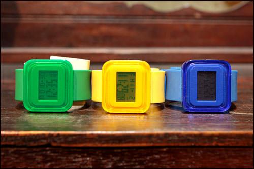 元気をくれるカラフルな時計49,000ウォン(item/スウェーデン)