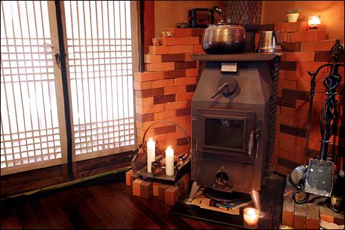 韓屋にも似合う暖炉