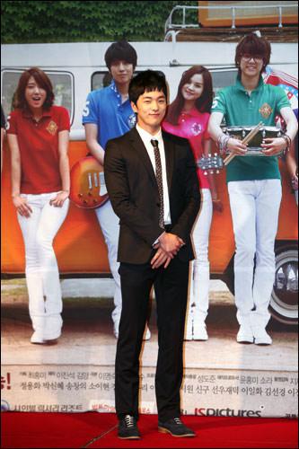 イ・ヒョンジン(ヒョン・ギヨン役)実際の僕のようにギヨンも恥ずかしがり屋です。