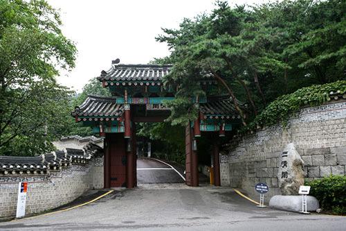 三清閣正門