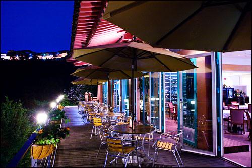 夜の三清閣茶院