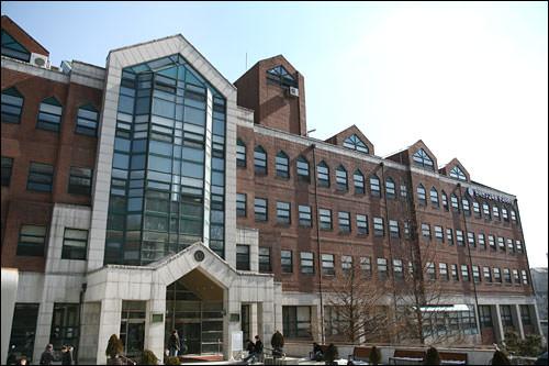 延世大学校 言語研究教育院韓国語学堂入学金:80,000ウォン授業料:1,680,000ウォン合計:1,760,000ウォン