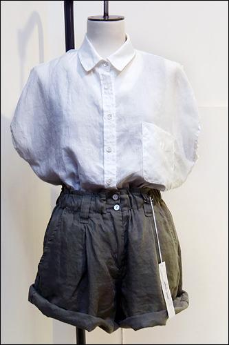 シャツ、ショートパンツ各50,000ウォン