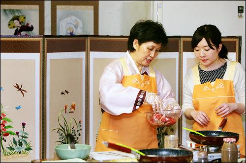 阿美笑韓国料理教室※本体験教室終了韓定食レストラン阿美笑で家庭料理のいろはを学ぼう。【ホテルから徒歩5分】
