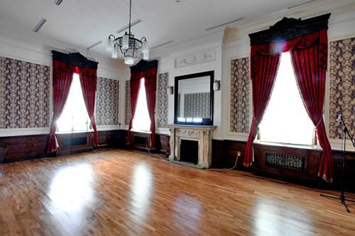 豪華な設備の貴賓室