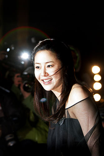女優コ・ヒョンジョン。탱탱한 피부は童顔美人の必須条件!