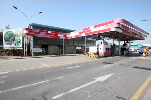 可楽市場駅1番出口すぐの「南1門」ゲート