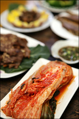 キムチが欠かせない韓国の食卓。なくてはならないおかずの1つだ。