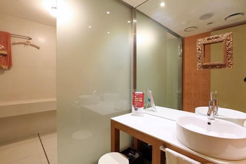 3階 パウダールーム&シャワールーム