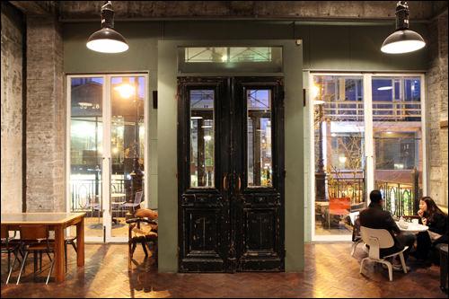 1920年代のイギリスで使われていた扉