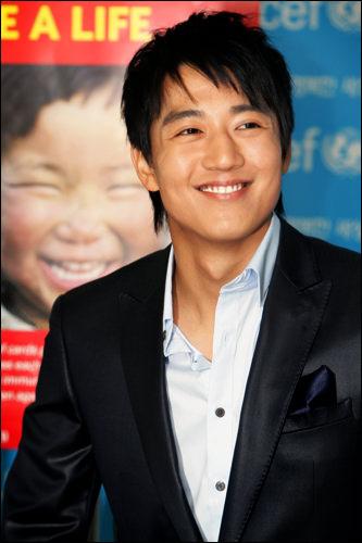 部門:特別企画キム・レウォン (千日の約束) 「久しぶりに出演するドラマで、人一倍思い入れがあった分、個人的に名残惜しい気持ちがあります。」