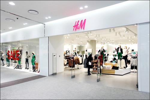 H&Mは地下1階にも店舗を構える