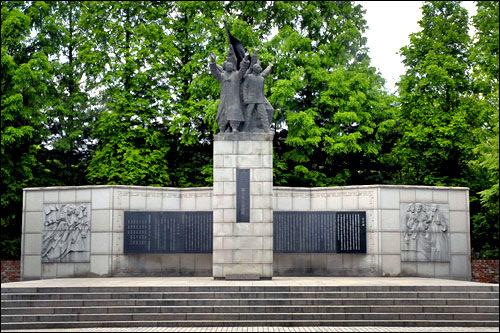 西大門独立公園3・1独立宣言記念塔や独立門などがある公園