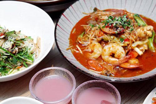 デートにもピッタリな落ち着いた雰囲気の中でマッコリと韓国料理が楽しめる
