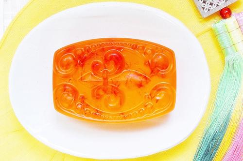ロイヤルゼリー石鹸~老化予防、弾力アップ、栄養供給~