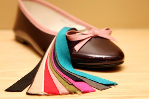 4.装飾となるリボンの素材や色を選びます(全部で12色)。