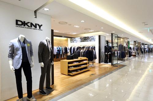 「DKNY」